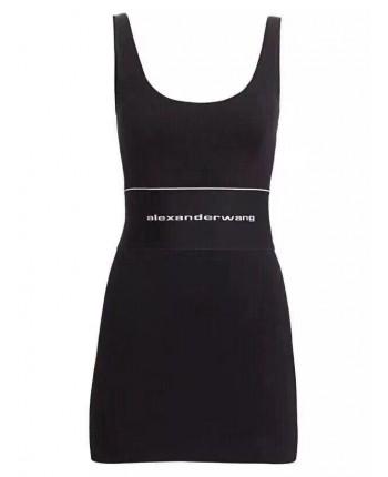 Облегающее черное платье 18615
