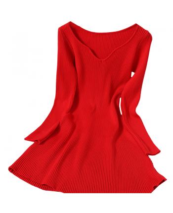 Трикотажное платье с вырезом 110104