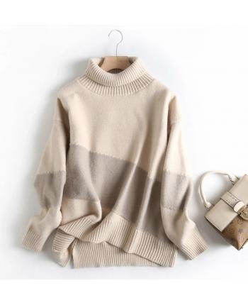 Теплый обьемный свитер 110016