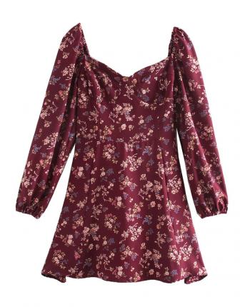 Бордовое платье с цветами 110048