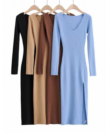 Трикотажное платье с разрезом 110082