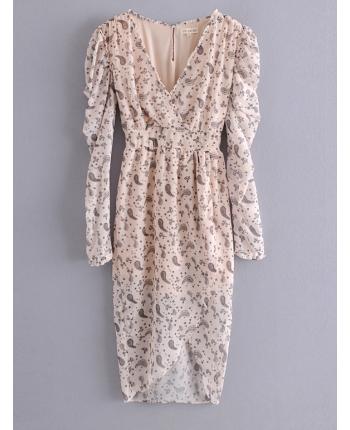 Цветочное платье с декольте 110078