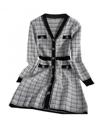 Трикотажное платье с пуговицами 110193
