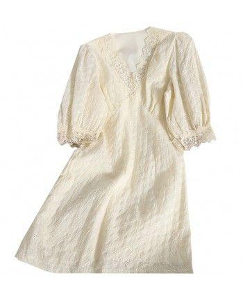 Короткое платье из прошвы 110217