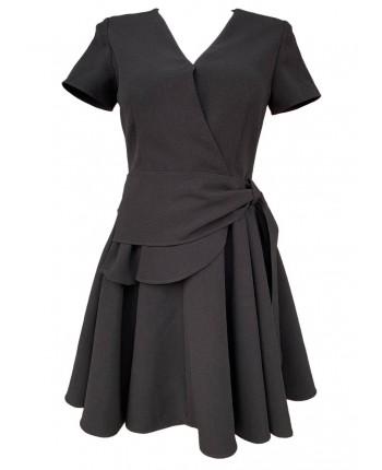 Чорна сукня з воланом 17819