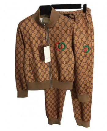 Коричневый костюм с логотипами 19734