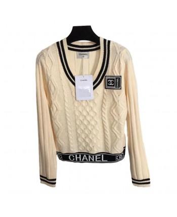 Вязаный свитер с V-вырезом 19781