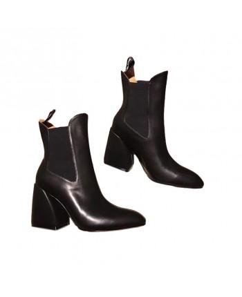 Кожаные ботинки на каблуке 19793