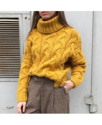 Теплый вязаный свитер 15674
